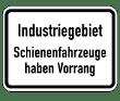 VZ 1008-32 - Industriegebiet - Schienenfahrzeuge haben Vorrang