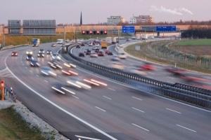 Schon in § 7 GGVSE waren Fahrwegbestimmungen zum Gefahrguttransport auf Autobahnen verankert.
