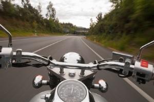 Sie wollen ein Motorrad fahren? Der A2-Führerschein ermöglicht dies.