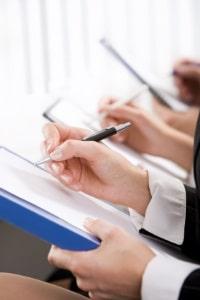 Für einen ADR-Schein muss eine Prüfung bei der IHK erfolgreich abgeschlossen werden.