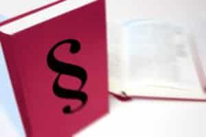 Aktueller Bußgeldkatalog: Punkte in Flensburg werden seit dem 1. Mai 2014 anders vergeben.