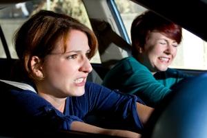 Alkohol bzw. Trunkenheit am Steuer: Mit einem Unfall müssen Sie häufig rechnen.