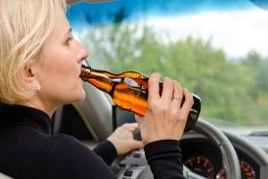 Alkohol am Steuer: Die Promillegrenze zu überschreiten kann lebensgefährlich sein.