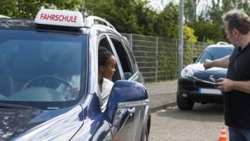 Anerkennung: Wird ein albanischer Führerschein umgeschrieben, sind Prüfungen nötig.