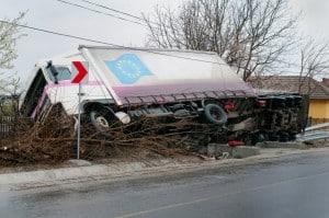 Fahren mit Anhänger: Die Unfallgefahr steigt.