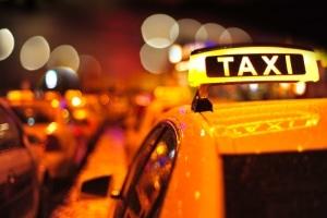 Viele Jahre existierte in Deutschland keine Anschnallpflicht für Taxifahrer.