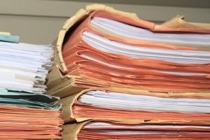 Sie möchten den Antrag für eine Werkstattkarte stellen? Dafür sind zahlreiche Unterlagen bei der zuständigen Behörde vorzulegen.