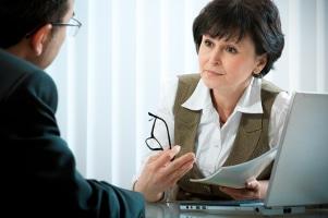 Ein Anwalt, der das Schmerzensgeld für Sie durchsetzt, bringt viele Vorteile.