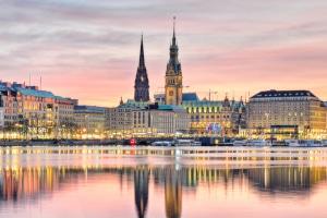 Hier finden Sie einen Anwalt für Verkehrsrecht in Hamburg.