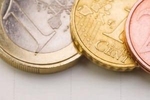 Das Aufbauseminar für Fahranfänger ist mit Kosten zwischen 150 und 400 Euro verbunden.
