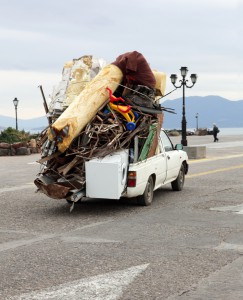 Vorstehende Außenkanten: Eine ausreichende Absicherung ist auch bei Transporten Pflicht.