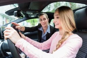 Mit dem Auto fahren üben: Wo ist Platz, damit sich Fahrschüler ausprobieren können?