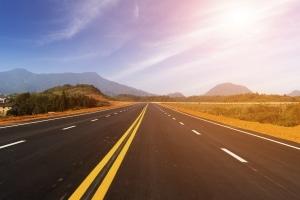 Beim Autofahren auf Malta geht es eher gemächlich zu, denn eine Autobahn gibt es nicht.