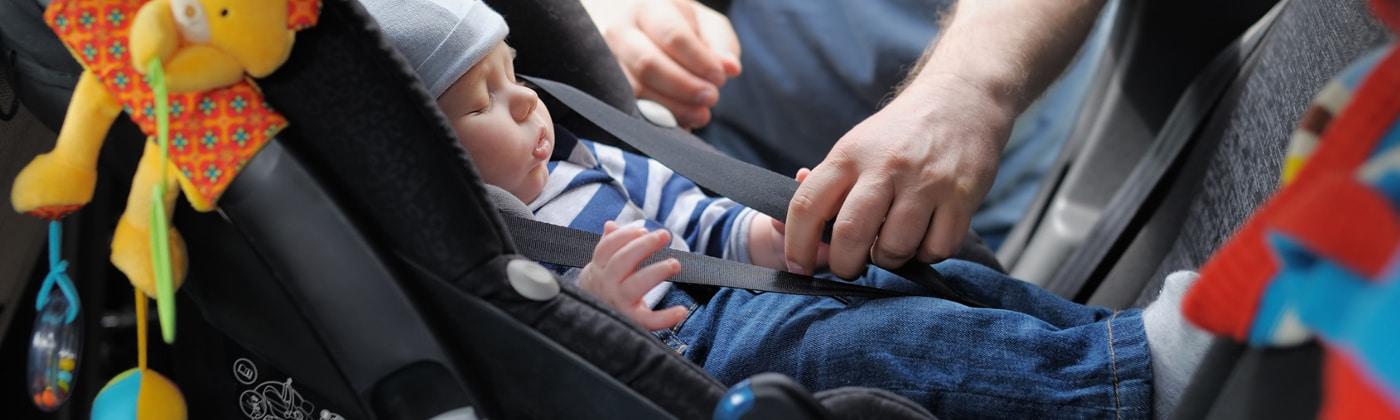 Mit Baby mit dem Auto fahren