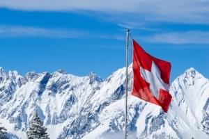 Müssen deutsche Urlauber den Blitzer aus der Schweiz bezahlen?