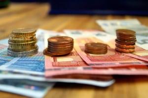 Britischer (englischer) Führerschein: In Deutschland umschreiben lassen, bringt Kosten mit sich.