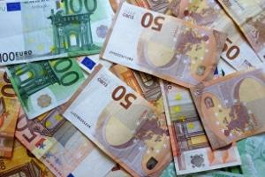 Fahrten mit dem Bus: Der benötigte Führerschein kann Kosten zwischen 4.000 und 5.000 Euro verursachen.