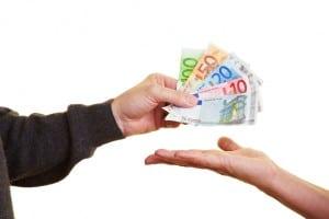 Das Bußgeld für eine Geschwindigkeitsüberschreitung beginnt bei 10€