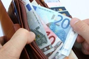 Viele Kfz-Fahrer würden ein Bußgeld am liebsten vor Ort und bar bezahlen.