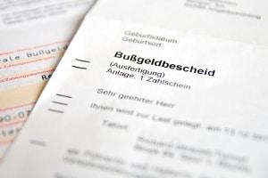 Ist ein Bußgeldbescheid auch ohne Unterschrift gültig?
