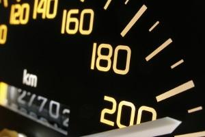 Besonderheit im Bußgeldkatalog von Luxemburg: überhöhte Geschwindigkeit kann bei wiederholter Auffälligkeit zu 1500 Euro Bußgeld führen.