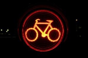 Der Dynamo am Fahrrad ist nicht länger gesetzlich vorgeschrieben. Jedes Rad muss aber in der Dunkelheit ausreichend Licht abgeben.