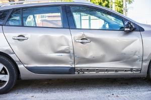 Eigener Gutachter nach einem Unfall: Wer übernimmt die Kosten?
