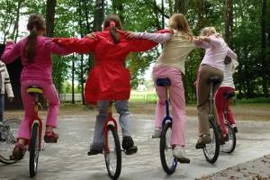Welche Verkehrsregeln schreiben vor, wo Sie mit dem Einrad fahren dürfen?