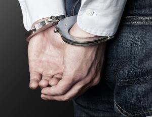 Unerlaubtes Entfernen vom Unfallort: Als Strafe kann auch eine bis zu dreijährige Haft drohen.