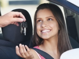 Fahranfänger profitieren besonders vom Fahrtraining.