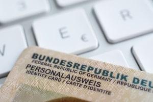 Um einen Antrag auf Auskunft aus dem Fahreignungsregister zu stellen, ist ein gültiges Ausweisdokument nötig