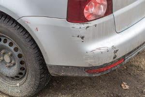 Wann kommt die Polizei bei Fahrerflucht nach einem Parkunfall?