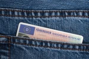 Wird Ihnen die Fahrerlaubnis vorläufig entzogen, wird Ihr Führerschein unmittelbar beschlagnahmt.