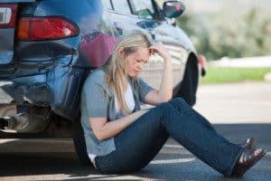 Fahrlässige schwere Körperverletzung kann zum Beispiel bei einem Verkehrsunfall entstehen.