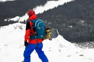 Nicht nur die FIS-Regeln sind beim Skifahren von großer Bedeutung. Achten Sie zudem auch auf die Lawinenstufen.