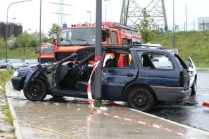 Frei Sachverständige untersuchen Ihr Auto nach einem Unfall.