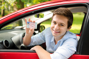 Der Führerschein mit 17 wurde im Jahr 2011 zum Dauerrecht.