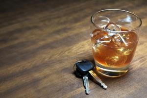 Ob es zu einem Führerscheinentzug bei einem Alkohol-Delikt kommt, hängt von den Umständen ab