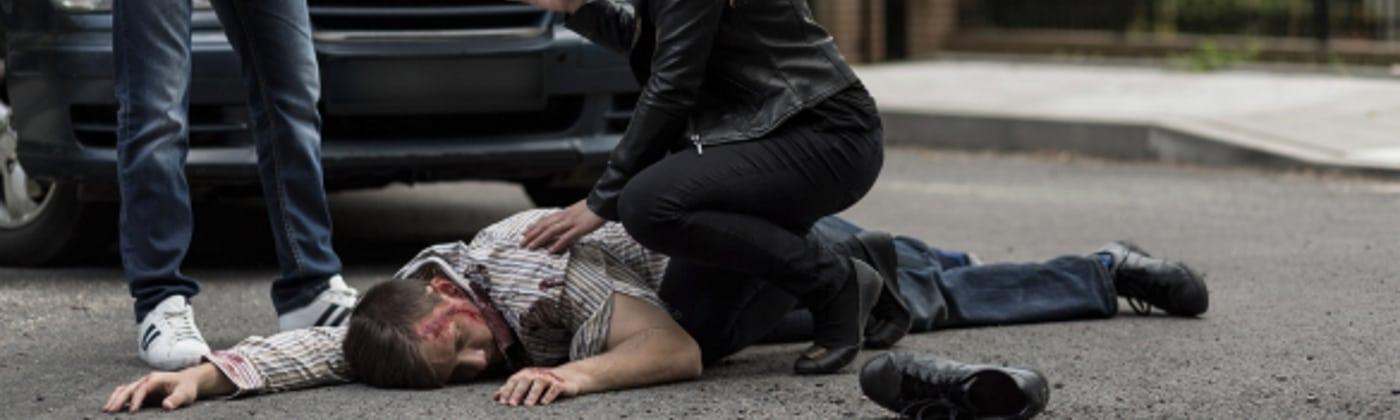 Wie ist sich zu verhalten, wenn ein Fußgänger angefahren wurde?