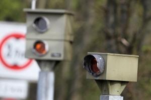 Geblitzt: Die drohende Strafe soll Verkehrssünder zum umsichtigeren Fahren erziehen.