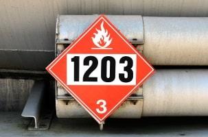 Gefahrgutklassen weisen die Gefahrenmerkmale der Güter aus.