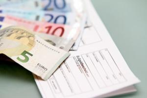Der Begriff Geldbuße kann für das Buß- und Verwarnungsgeld genutzt werden.