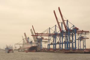 Die Verordnung GGVBinSch befasste sich mit den Regelungen zum Gefahrguttransport auf Binnengewässern.