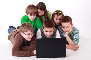 Kann bei Google eine Kindersicherung eingestellt werden?