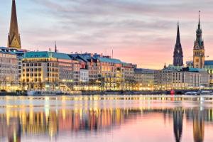 Wie kann in Hamburg die Bußgeldstelle kontaktiert werden?