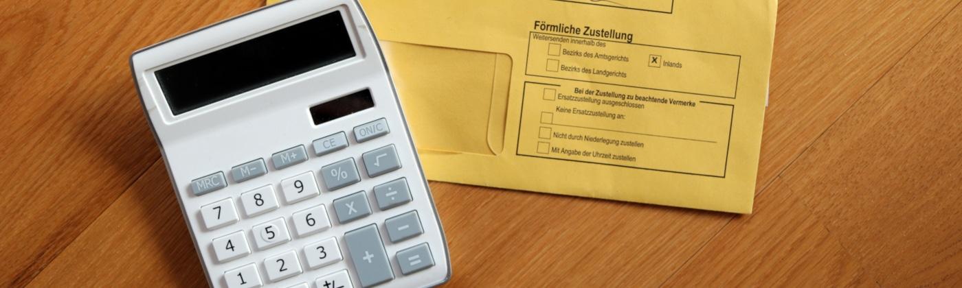 Mögliche Bußgelder können Sie online mit unserem Bußgeldrechner vorab prüfen.