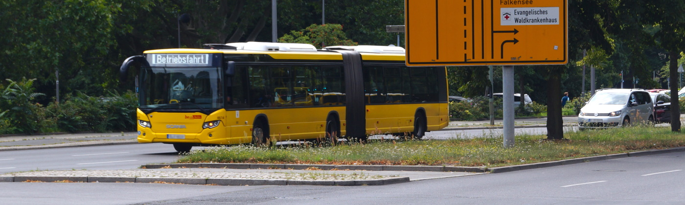 Header Bus mit Warnblinker