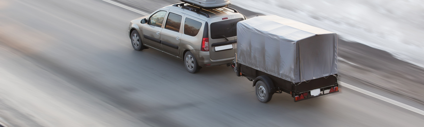 Pkw mit Anhänger: Überhöhte Geschwindigkeit wird strenger bestraft.