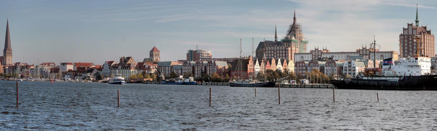 Die Bußgeldstelle in Rostock ist für die Ahndung von Verkehrsordnungswidrigkeiten zuständig.