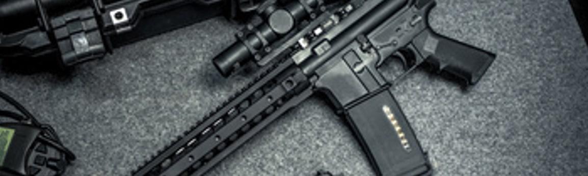 Halbautomatische Waffen schiessen ein mal pro Auslösung.